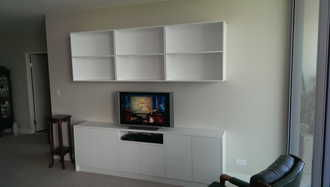 (C)TV-and-wall-unit.jpg